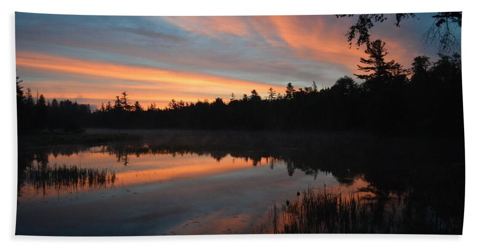 Sunrise Beach Towel featuring the photograph Beautiful Day's Promise by Thomas Phillips