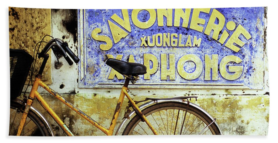 Weathered Beach Towel featuring the photograph Bicycle 01 by Rick Piper Photography
