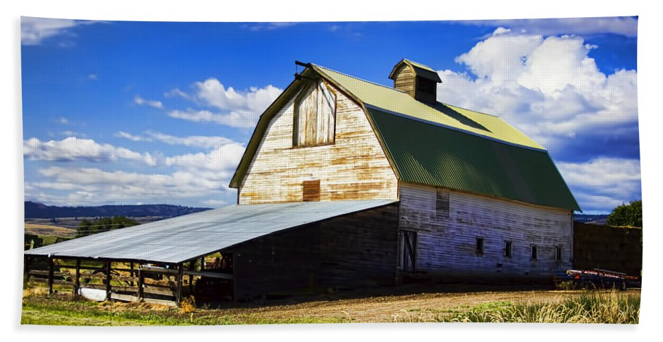 Beach Towel featuring the photograph Big Barn Near Ellensburg Washington by Cathy Anderson
