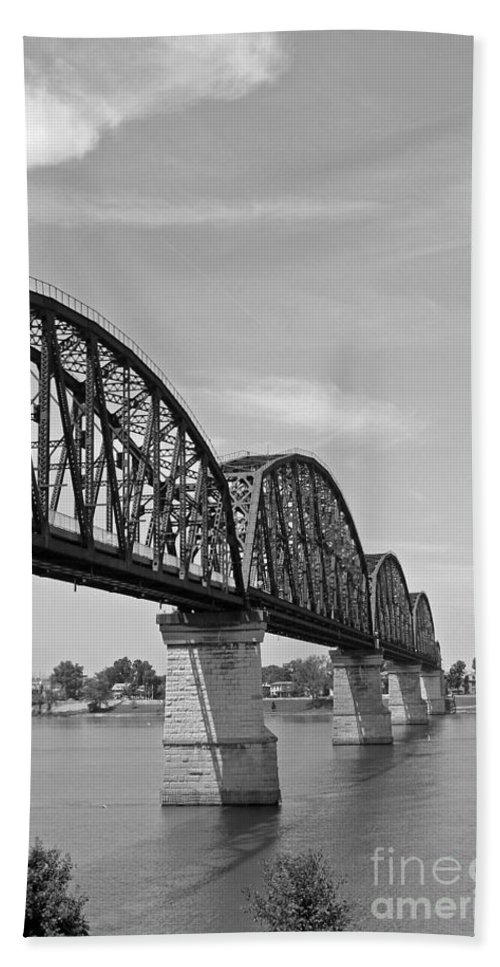 Bridge Beach Towel featuring the photograph Big Four Bridge Bw by Stephanie Hanson