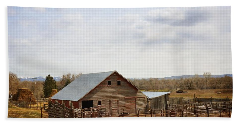 Barn Beach Towel featuring the photograph The Blackfoot Barn by Image Takers Photography LLC