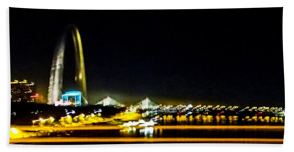 Missouri Beach Towel featuring the photograph Blurry Waterfront 4 by Angus Hooper Iii