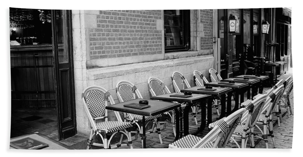 Brussels Beach Towel featuring the photograph Brussels Cafe In Black And White by Carol Groenen