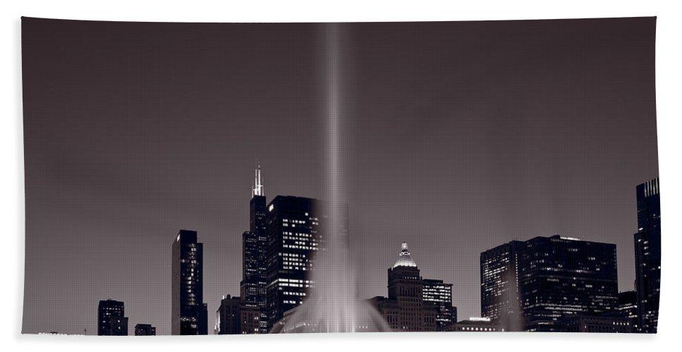 Chicago Beach Towel featuring the photograph Buckingham Fountain Nightlight Chicago Bw by Steve Gadomski