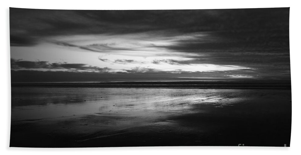 San Diego Beach Towel featuring the photograph Cardiff By The Sea by John F Tsumas