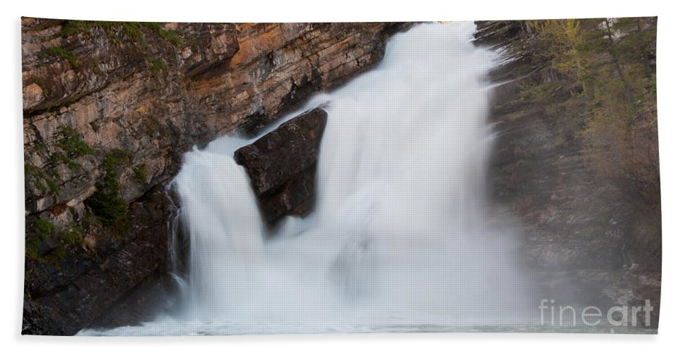 Waterfalls Beach Towel featuring the photograph Cameron Falls by Vivian Christopher