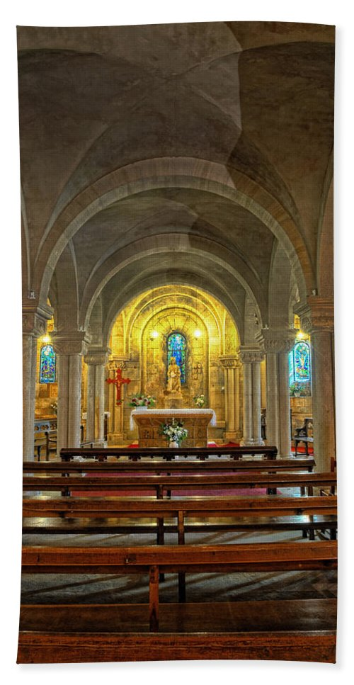 Notre Dame Cathedral Verdun Beach Towel featuring the photograph Chapel At Notre Dame Cathedral Verdun by Dave Mills