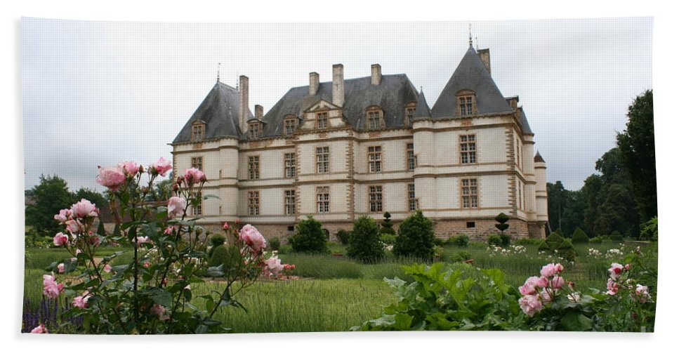 Palace Beach Towel featuring the photograph Chateau De Cormatin Garden by Christiane Schulze Art And Photography
