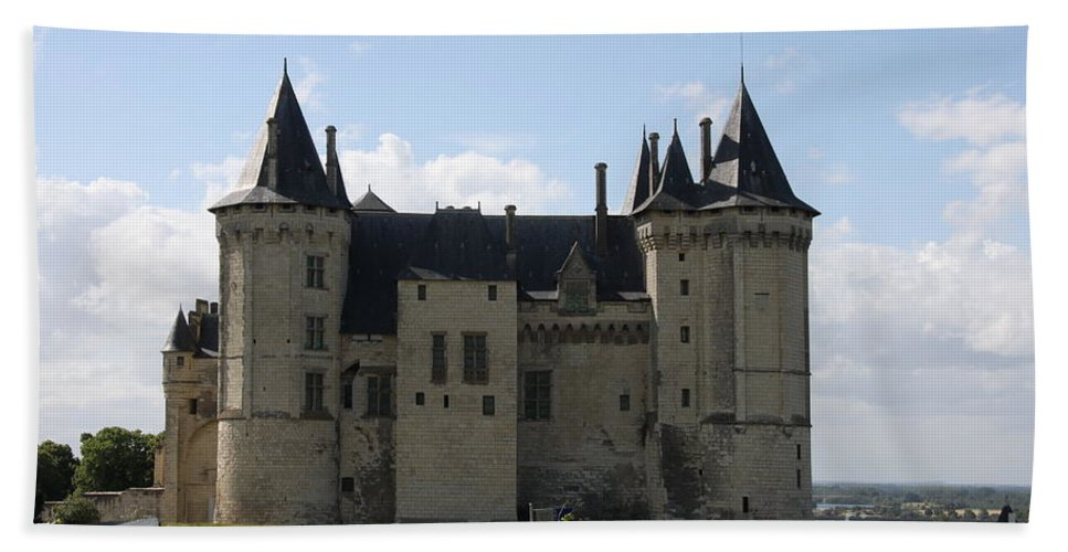 Castle Beach Towel featuring the photograph Chateau Saumur - France by Christiane Schulze Art And Photography