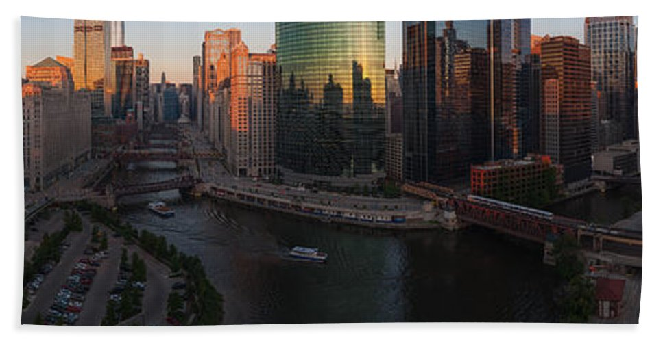 Chicago Beach Towel featuring the photograph Chicago On The River by Steve Gadomski