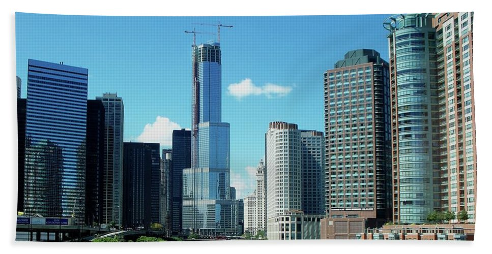 Cities Beach Towel featuring the photograph Chicago Trump Tower Under Construction by Thomas Woolworth