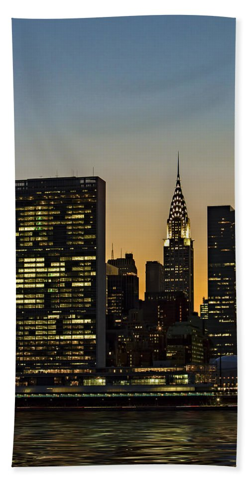 Chrylser Building Beach Towel featuring the photograph Chrysler And Un Buildings Sunset by Susan Candelario