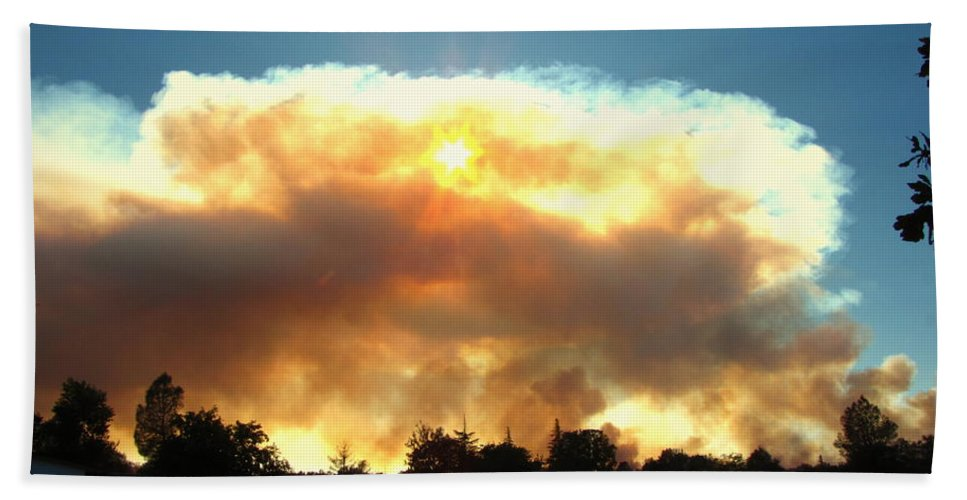 Fire Beach Towel featuring the photograph Clover Fire At 5 25 Pm by Joyce Dickens