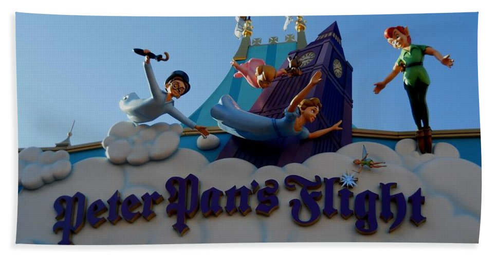 Peter Pan's Flight Beach Towel featuring the photograph Come On Everybody by Rachel Kaufmann