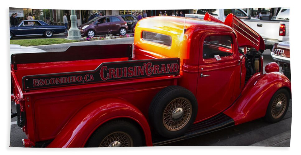 Hot Rod Beach Towel featuring the photograph Cruisin Grand Truck by Guy Shultz