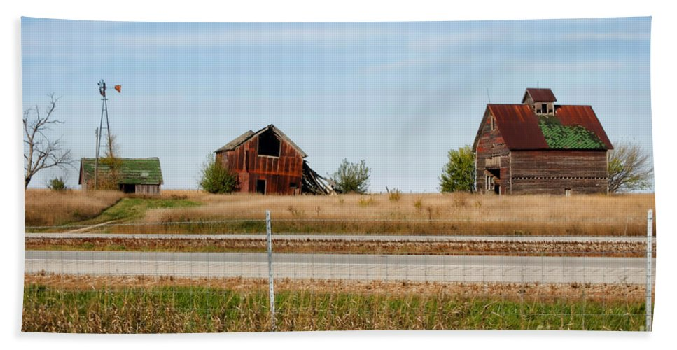 Decaying Farm Beach Towel featuring the photograph Decaying Farm Central Il by Thomas Woolworth