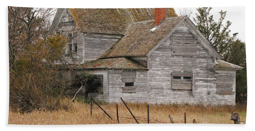 Mary Carol Story Beach Towel featuring the photograph Deserted House by Mary Carol Story