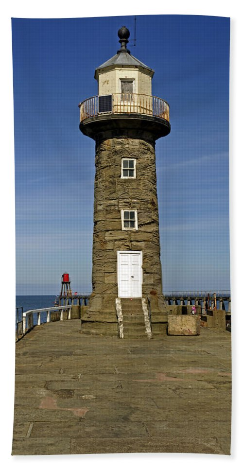 Britain Beach Towel featuring the photograph Disused East Pier Lighthouse - Whitby by Rod Johnson