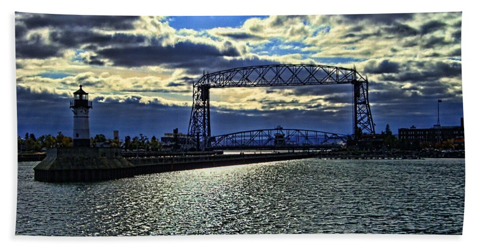 Duluth Beach Towel featuring the photograph Duluth Lift Bridge by Tommy Anderson
