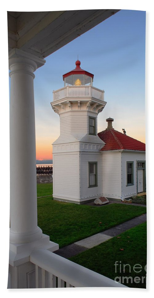 America Beach Towel featuring the photograph Dusk At Mukilteo Lighhouse by Inge Johnsson