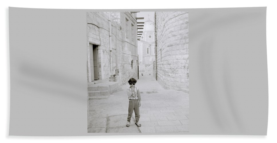 Children Beach Towel featuring the photograph Innocence Of Childhood by Shaun Higson