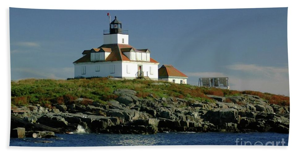 Egg Beach Towel featuring the photograph Egg Rock Lighthouse by Kathleen Struckle