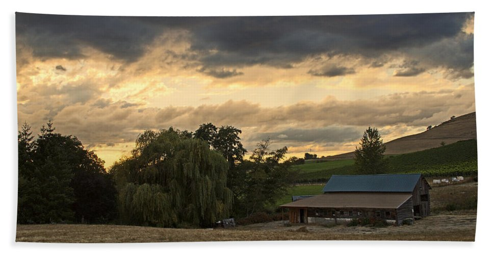 Evening Beach Towel featuring the photograph Evening Farm Scene Near Ashland by Mick Anderson