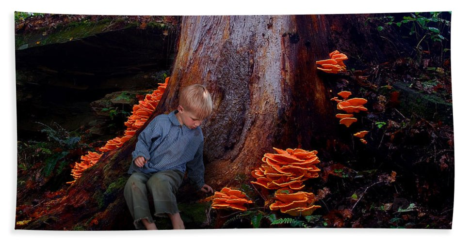 Child Beach Towel featuring the photograph Exploration by Ron Jones