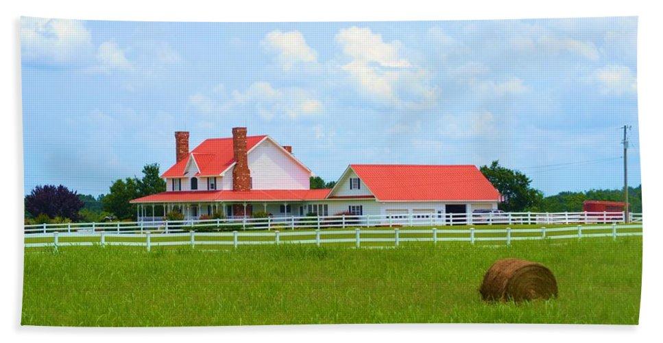 Farmhouse Beach Towel featuring the photograph Farmhouse by Tara Potts