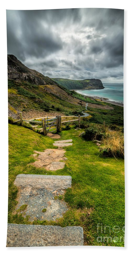 Llyn Peninsula Beach Towel featuring the photograph Follow The Path by Adrian Evans