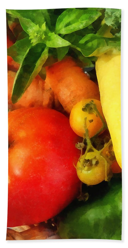 Tomato Beach Towel featuring the photograph Food - Vegetable Medley by Susan Savad