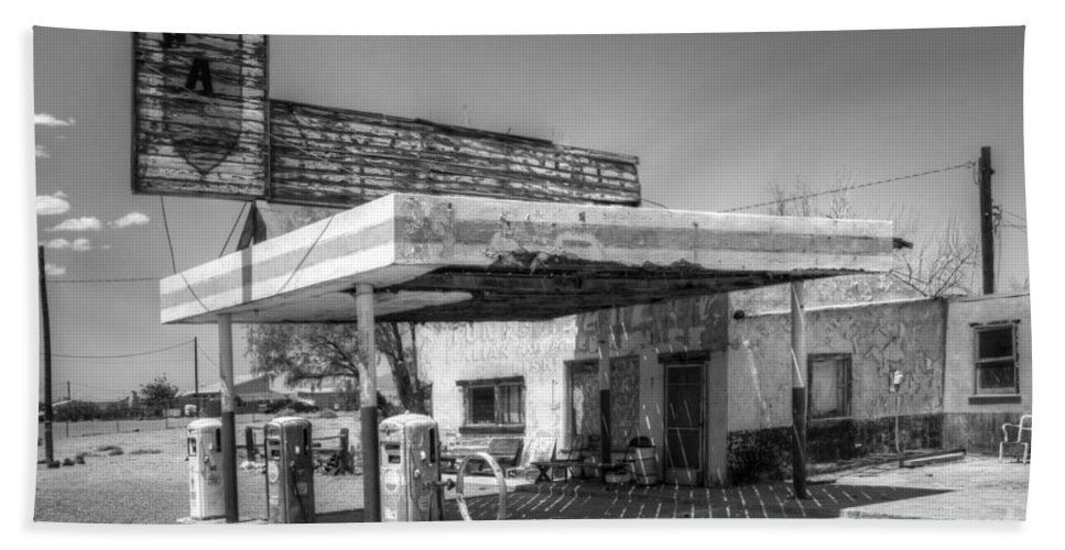 Gas Station Beach Towel featuring the photograph Glory Days Of Route 66 by Bob Christopher