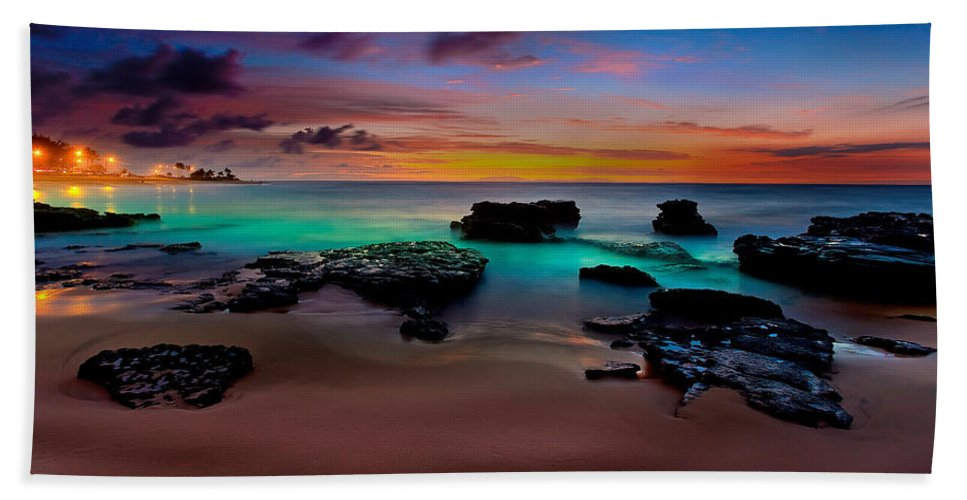Landscape Beach Towel featuring the photograph Glowing Sandy by Kenway Kua