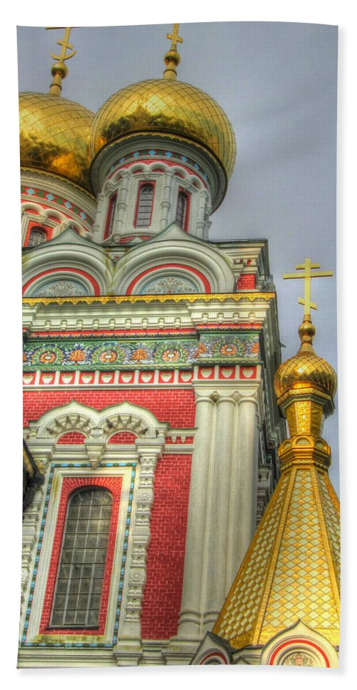 Faith Beach Towel featuring the photograph Golden Domes Of Russian Church by Eti Reid