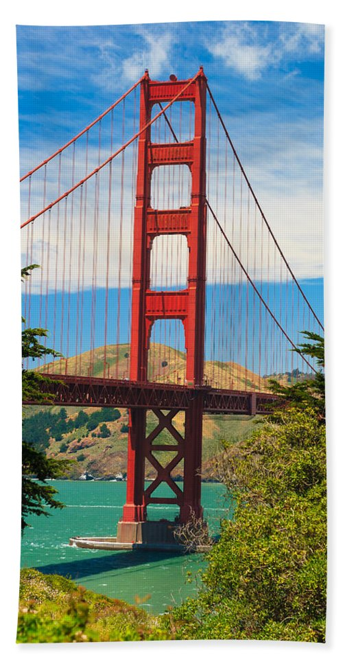 Architecture Beach Towel featuring the photograph Golden Gate Bridge by Raul Rodriguez