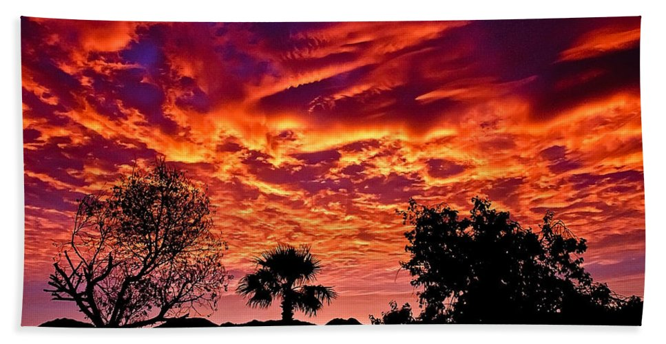 Sunrise Beach Towel featuring the photograph Good Morning by Robert Bales