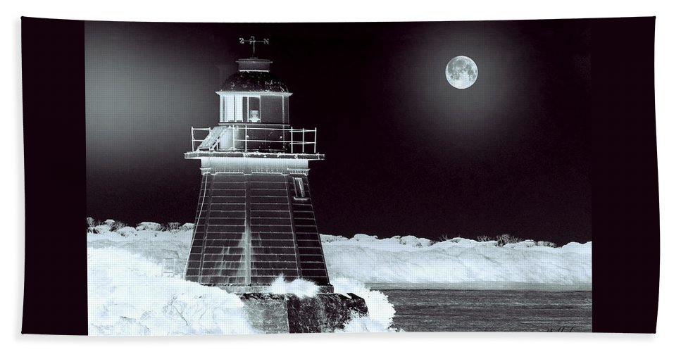 Landscapes Beach Sheet featuring the photograph Guiding Lights by Holly Kempe