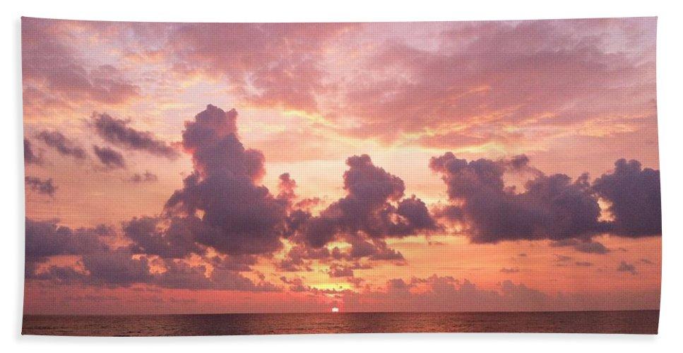 Heaven Beach Towel featuring the photograph Heavens Glow by Melissa Darnell Glowacki