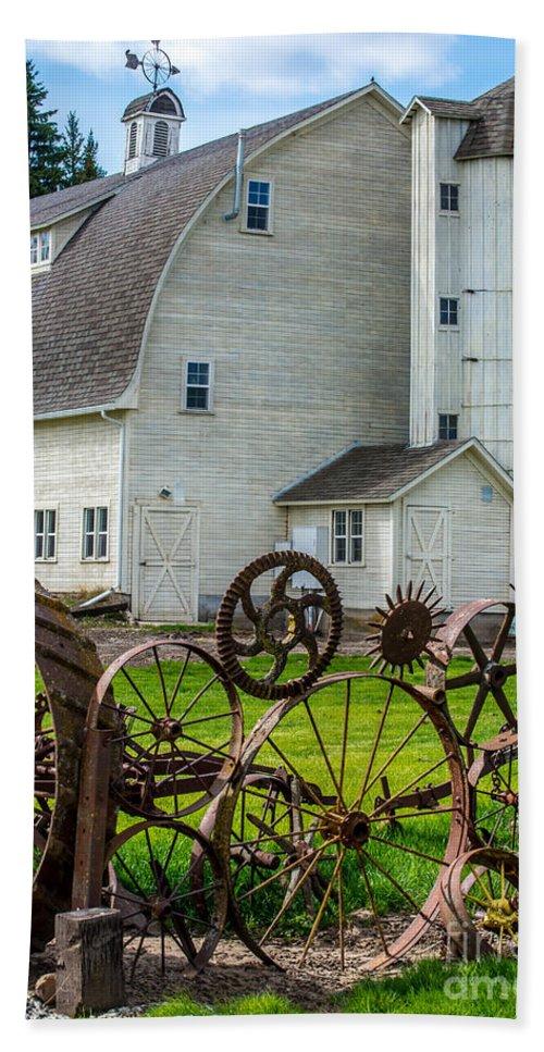 Uniontown Beach Towel featuring the photograph Historic Uniontown Washington Dairy Barn by Gary Whitton
