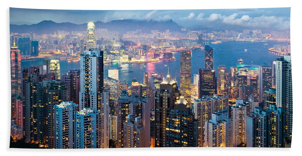 Hong Kong Beach Towel featuring the photograph Hong Kong At Dusk by Dave Bowman