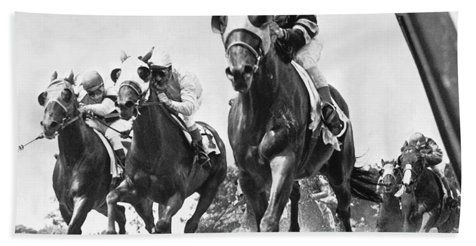 1950's Beach Towel featuring the photograph Horse Racing At Belmont Park by Underwood Archives