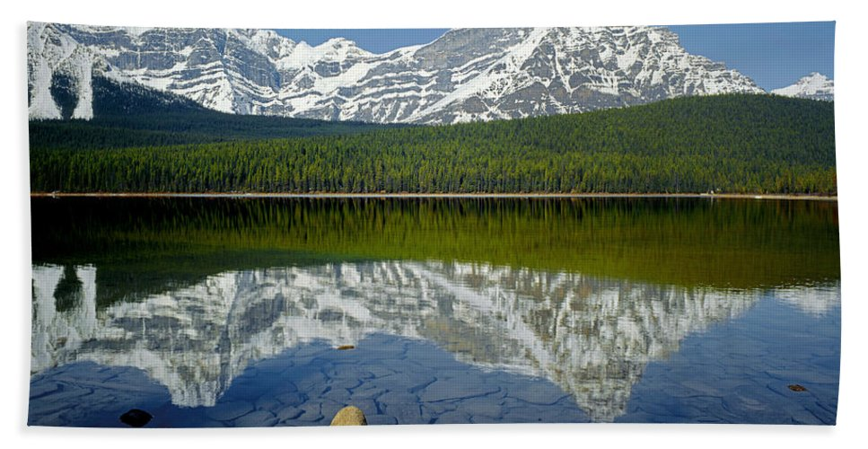 Howse Peak Beach Towel featuring the photograph 1m3643-howse Peak, Mt. Chephren Reflect by Ed Cooper Photography