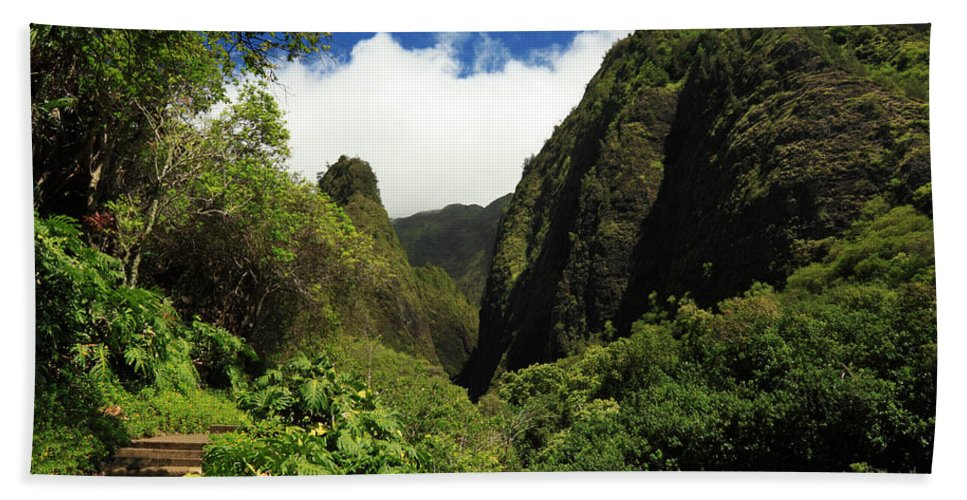 Iao Needle Beach Towel featuring the photograph Iao Needle - Iao Valley by James Eddy