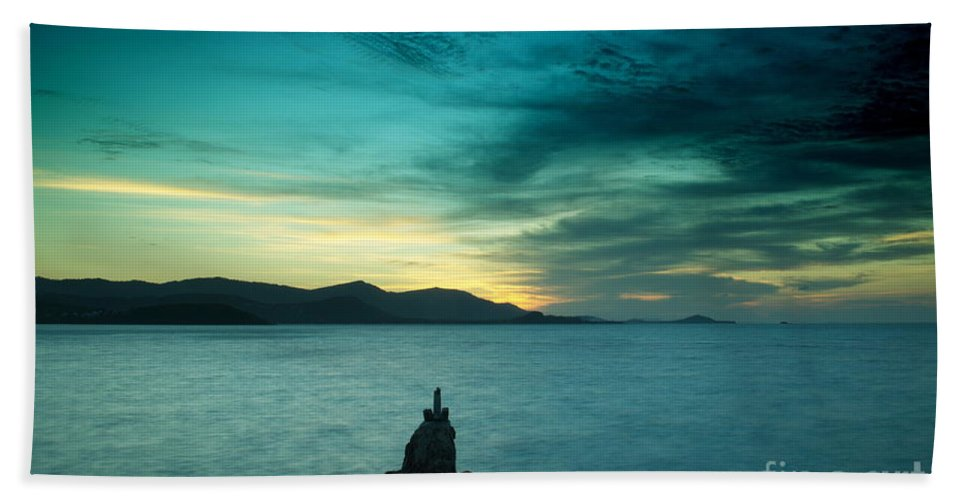 Michelle Meenawong Beach Towel featuring the photograph Infinity by Michelle Meenawong