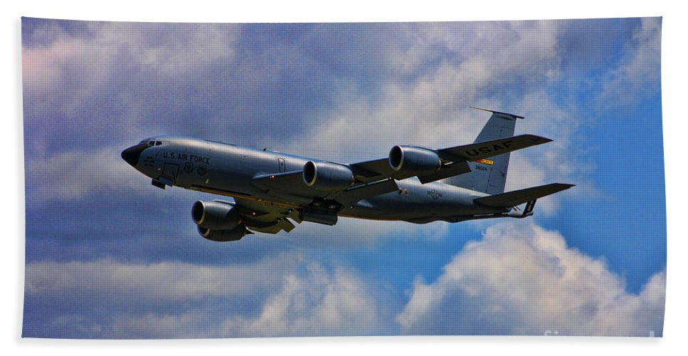Boeing Kc-135 Stratotanker Beach Towel featuring the photograph Kc-135 Stratotanker by Tommy Anderson