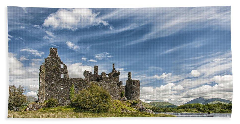 Scotland Beach Towel featuring the photograph Kilchurn Castle 01 by Antony McAulay
