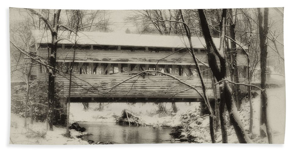 Knox Beach Towel featuring the photograph Knox Valley Forge Covered Bridge by Bill Cannon