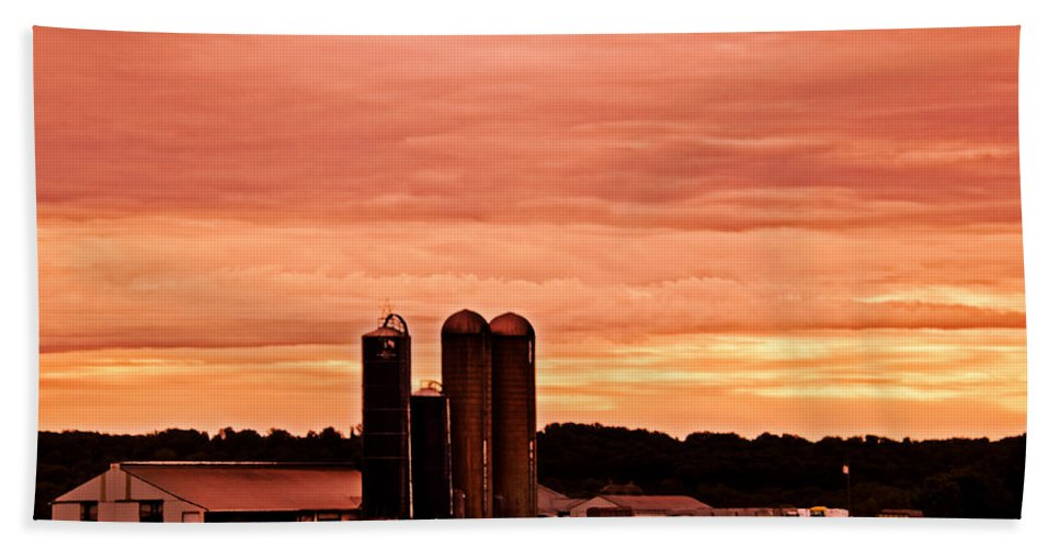 Nature Beach Towel featuring the photograph Lancaster Pa Sunset by Tom Gari Gallery-Three-Photography