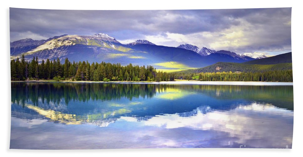Lake Annette Beach Towel featuring the photograph Light Play At Lake Annette by Tara Turner