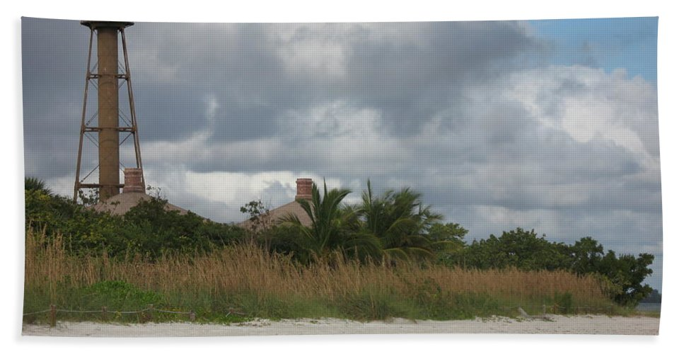 Ligthouse Beach Towel featuring the photograph Sanibel Island Light by Christiane Schulze Art And Photography
